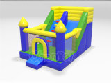 OEM新しいデザイン膨脹可能な警備員の運動場のための跳躍の家のスライド