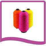 Hilados de polyester hechos girar teñidos en el cono plástico para el hilo de coser