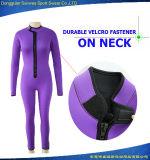 OEMの女性の紫色の前部ジッパーの完全なネオプレンのダイビングのウェットスーツ