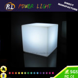 Éclairage extérieur rechargeable de cube en DEL