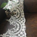 del color blanco rebordea el ajuste nupcial del cordón para la alineada de boda