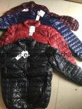De Stcok chaquetas abajo, chaquetas de la llanura ligera del hombre 90, ropa común