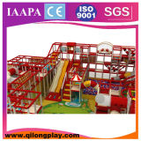 O posto de gasolina caçoa o equipamento interno do campo de jogos (QL-17-20)
