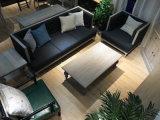 Breve Simplicidad y muebles antiguos para el salón