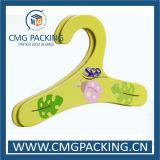 El nuevo diseño para la ropa de la percha de la ropa jadea la percha con la insignia impresa