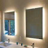 ホテルおよび厚遇LED Fogless壁によってつけられるミラーの浴室