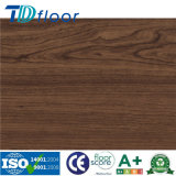 Il vinile di lusso di Lvt copre di tegoli la pavimentazione di legno decorativa del vinile del PVC del reticolo