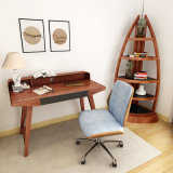 Bureau en bois à la maison de meubles