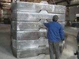 Le bâti chinois de fer d'approvisionnement de fonderie, moulage au sable, tendent le cou le contre- poids