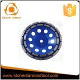 A seta segmenta a roda do copo do diamante para o concreto