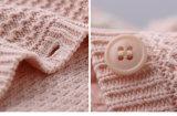 Phoebeeの卸売の100%年の綿の女の赤ちゃんの編むか、または編まれたカーディガン