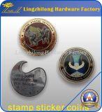 Los militares de encargo estampan la moneda de la etiqueta engomada con el epóxido cubierto