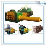 Machine hydraulique de presse de rebut de bidon en métal de rebut