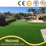 A melhor grama ajardinando sintética ao ar livre de venda para o gramado