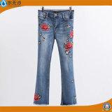 2017 die Form-Frauen-Stickerei keucht Fabrik Soem-Baumwolldenim-Jeans