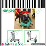 Trole do aeroporto da bagagem com três rodas
