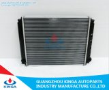 Sales caldo Radiator per Nissan Vanette E24'86-89 a