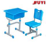 Escritorio y silla de la escuela primaria de los muebles de los niños