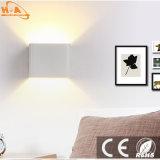 7W lámparas de pared blancas negras de la iluminación del aluminio LED para el hogar