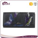 Черной напечатанное бабочкой портмоне неподдельной кожи для женщины