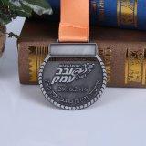 Medallas corrientes del trofeo de los deportes del maratón de encargo del metal de la antigüedad del bastidor de la aleación del cinc