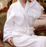 De Badjas van de Stapel van de besnoeiing, het Katoenen van 100% Zachte Hotel Van uitstekende kwaliteit