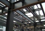 Magazzino d'acciaio della struttura con il pannello a sandwich della fibra di vetro