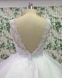 Платье венчания Tulle шнурка мантии шарика шифоновое с шеей v