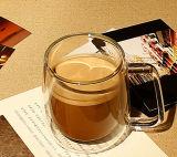 두 배 벽 높은 붕규산 유리 커피잔을 부는 입