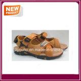 Ботинки сандалии пляжа для людей продают оптом