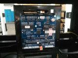 Stazione di servizio con 4 grandi ugelli della visualizzazione 2 dell'affissione a cristalli liquidi