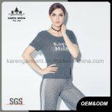 Het geribbelde Ronde Overhemd van de Koker van de Hals Korte Aangepaste Embleem Gebreide Vrouwen