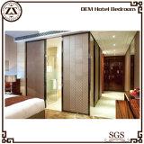 Мебель комнаты юбки кровати гостиницы живущий