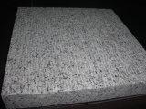 Tuiles ciselées de granit
