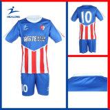 新しいデザインサッカーのユニフォーム、Sublimaionのフットボールのユニフォーム