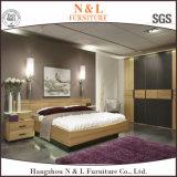 Modernes hölzernes Luxuxkorn-Walk-in Schlafzimmer-Wandschrank-Garderoben-Entwurf