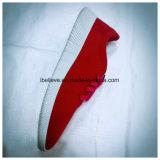 De Schoen van het rode Meisje van de Kleur met Manier Outsole en Schoenveter