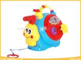 電子おもちゃのプラスチック音楽的なかたつむりの赤ん坊のおもちゃ