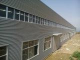 Stahlkonstruktion-Aufbau-Fertighaus-Werkstatt