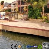 Plancher extérieur composé en bois de cour de jeu