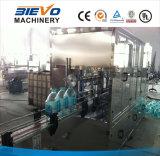 Terminar a linha de produção mineral do engarrafamento de água bebendo do frasco 3L-10L