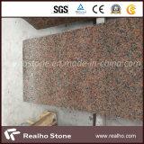 中国の安い石造りのかえでのフロアーリングまたは壁のための赤いG562花こう岩のタイルまたは屋外に