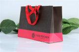 Saco de compras de papel de cosméticos de alta qualidade com gravação em relevo