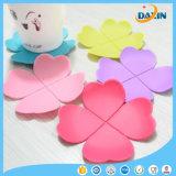 Coeur de trèfle à quatre feuilles à la fois coloré et coloré