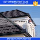 建築材料のブラウンの石上塗を施してある金属の屋根瓦のアルミニウム屋根瓦