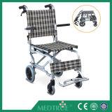 Commode сбывания CE/ISO стул колеса утвержденного горячего дешево медицинского складного алюминиевый (MT05030061)