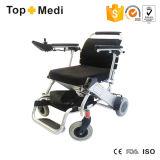 Cadeira de rodas ultra de pouco peso de dobramento do poder do alumínio de Topmedi