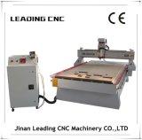 機械1325年のCNCのルーターを切り分けるマルチヘッド木CNC