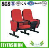 Cadeira confortável do teatro