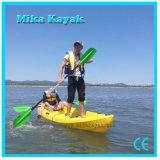 Barco de pesca plástico de la canoa del kajak del océano de 3 asientos para la venta